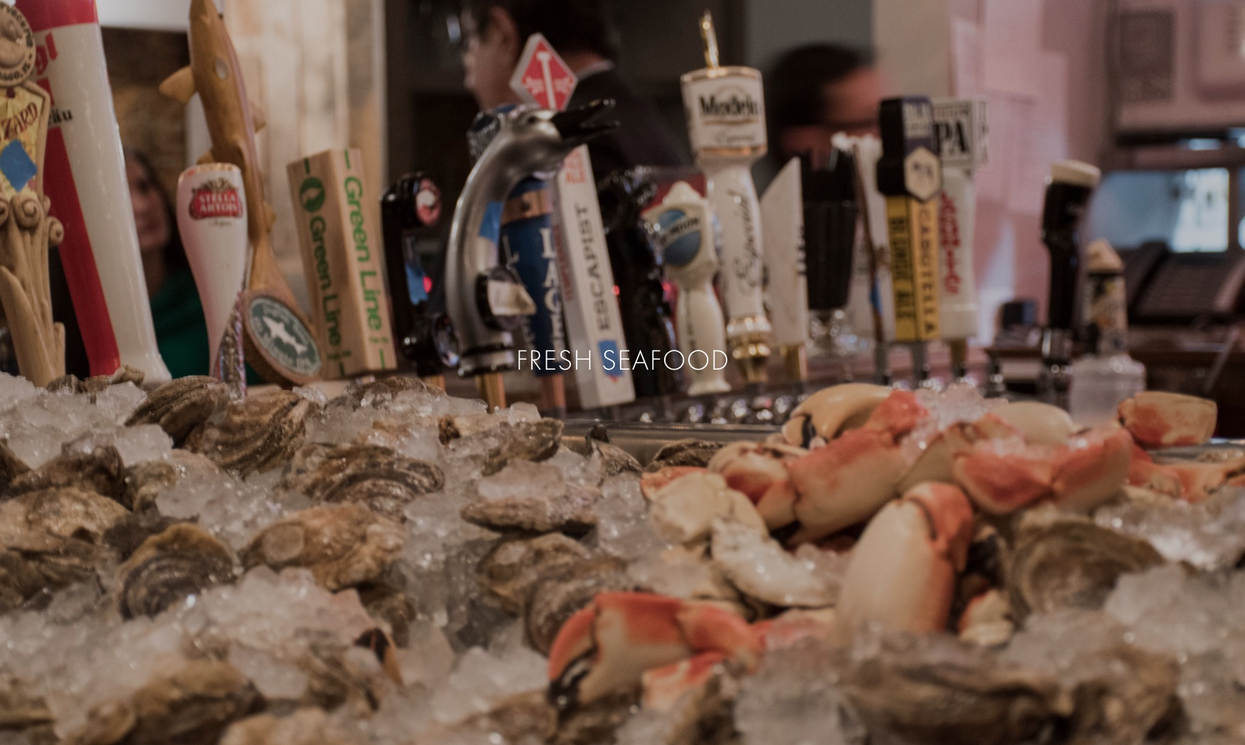 king-crab-house-chicago-bar-oyster-closer
