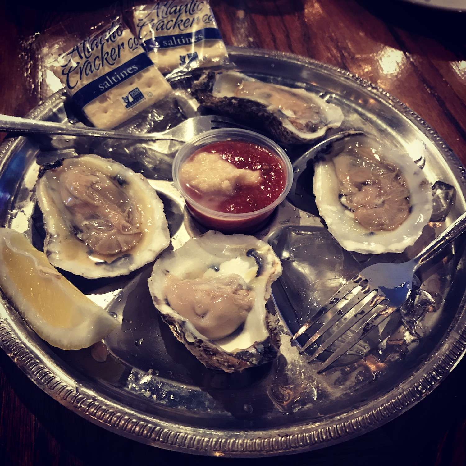king-crab-house-chicago-oysters-1