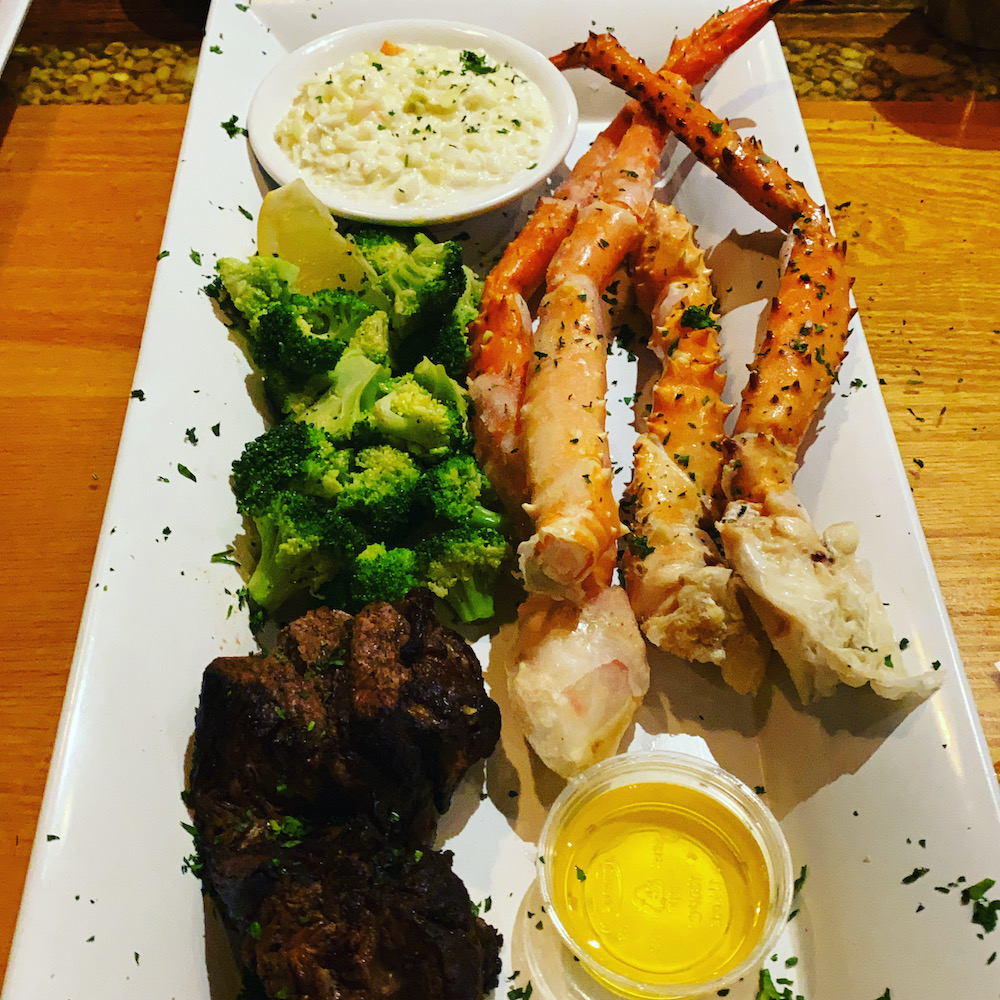 king-crab-house-chicago-surf-and-turf-crab-legs-filet