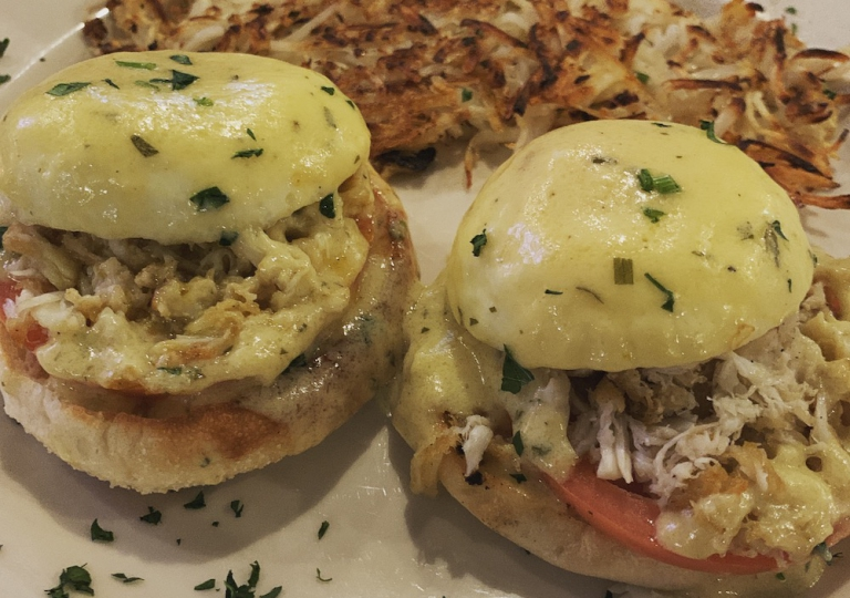 king-crab-house-chicago-brunch-crab-eggs-benedict