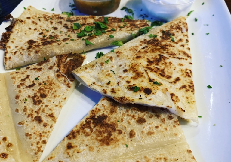 king-crab-house-chicago-cheesy-quesadilla